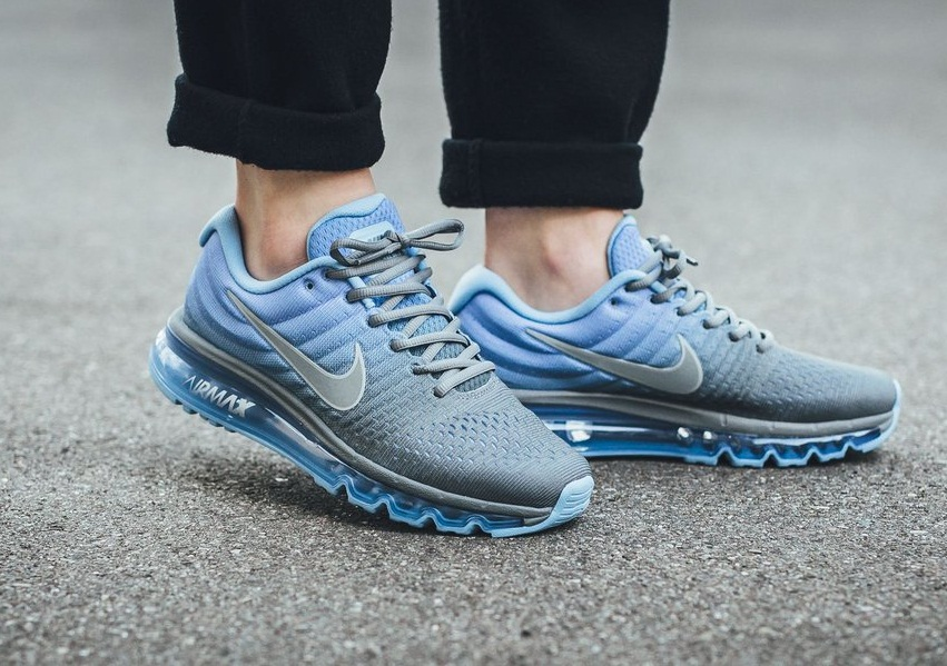 Nike Air Max 2017 Frauen Trainer In Blau Grau