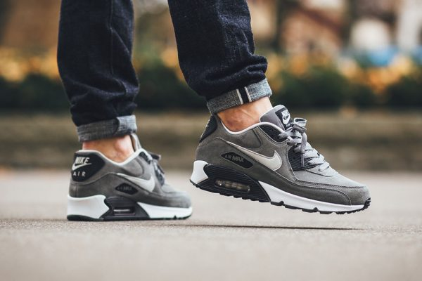 exquisite design fast delivery differently Nike Air Max 90 Leather Grau Weiß Trainer Männer UK Verkauf