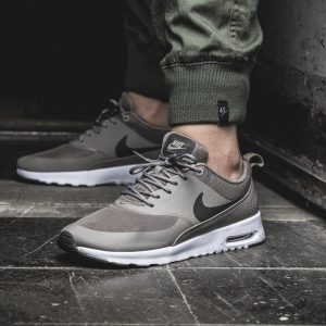 outlet store a8d23 415cd Nike Air Max Thea